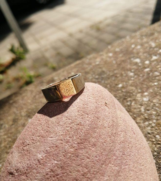 Ring mit Goldplatte