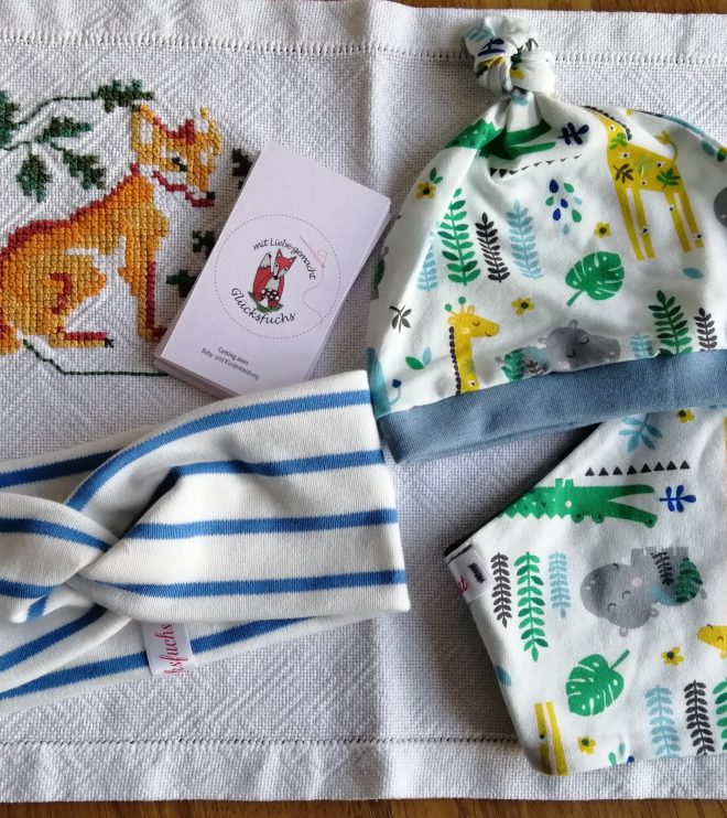 Haarbänder, Hauben, Loops & Tücher auf Bestellung